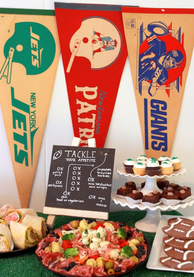 Cafe Pierrot || Throw a Game Day Party