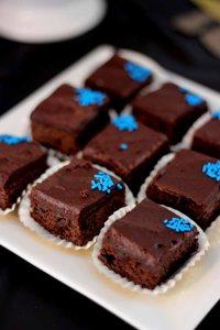 mini brownies in school colors