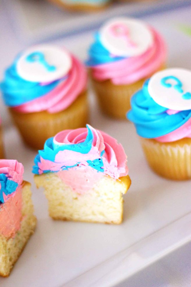 Gender Reveal Cupcakes with colored filling by French Bakery Cafe Pierrot in Northern New Jersey